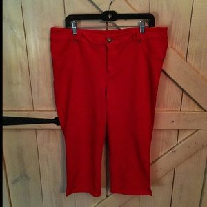 Size 18w Red Lane Bryant Crop Pant- Comfy!